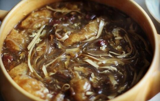 How to make Chinese food Hot and Sour Soup1