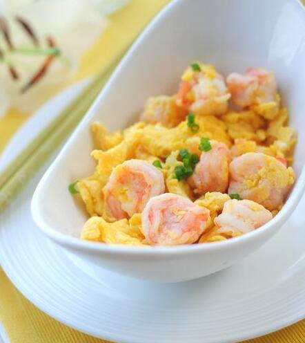 How to make Chinese food Scrambled Eggs and Shrimp?