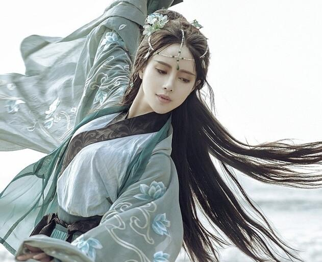 Why Hanfu Clothing Is So Popular This Day?